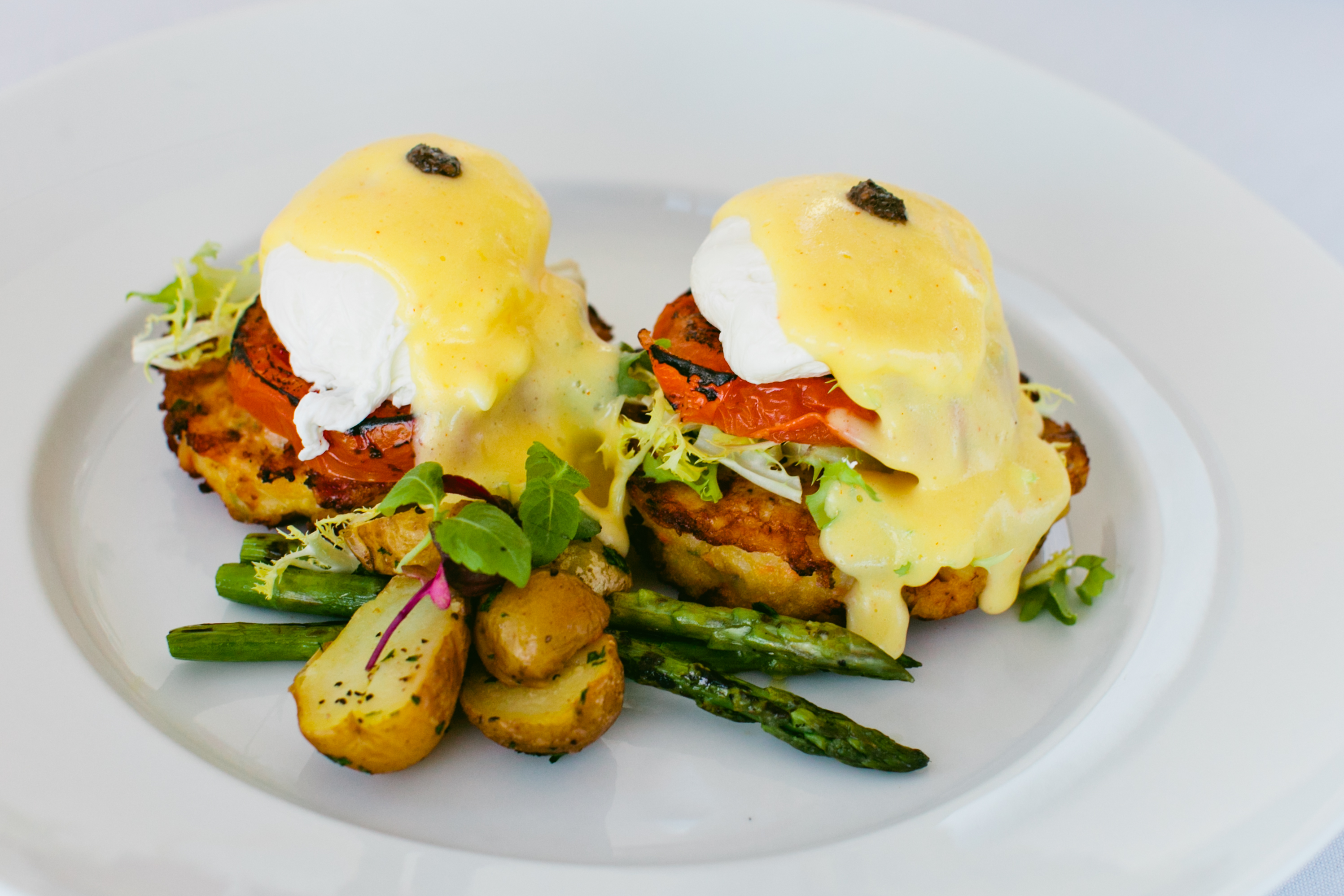 Brunch_Chef Amy Smoked Pastrami Benedict 2_2014_Copyright Melissa Murphy